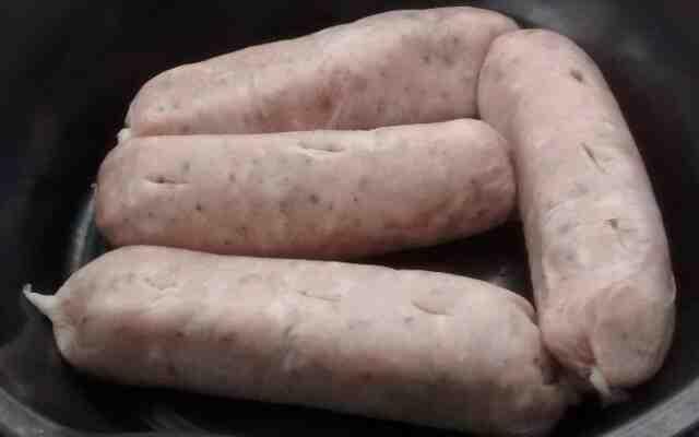 Comment cuire des saucisses surgelées