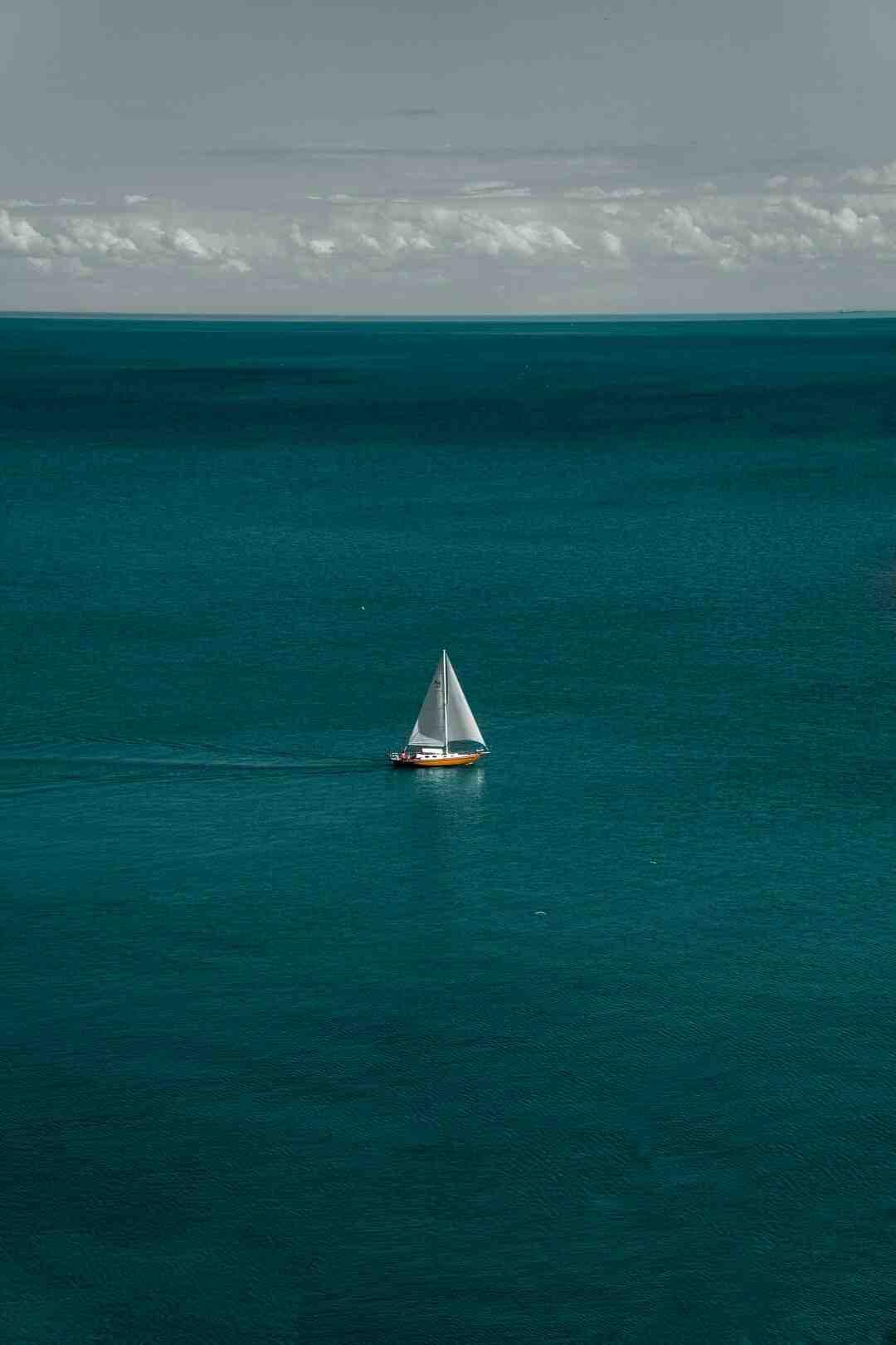 Comment un bateau flotte